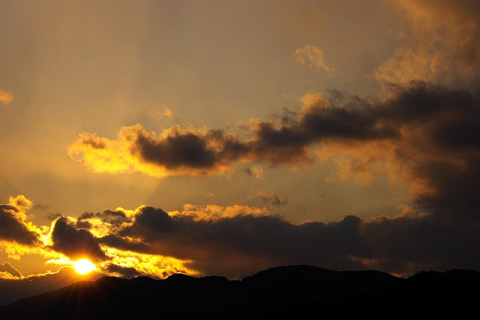 冬 雲 燃ゆる山_c0152379_1182531.jpg