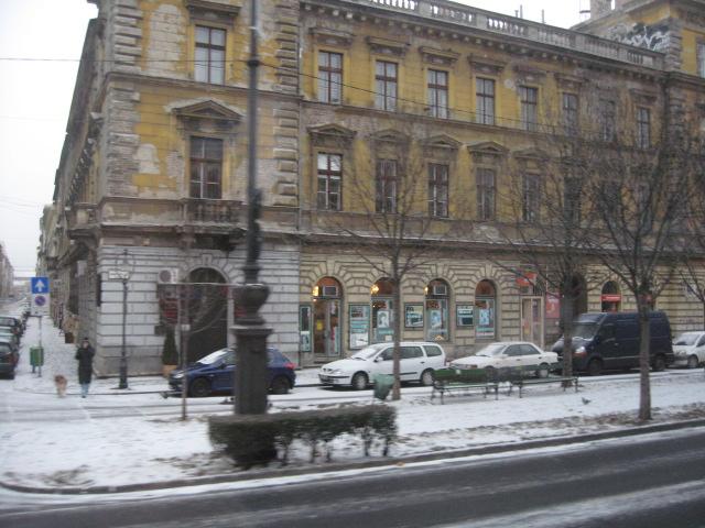 中欧の旅の記録~ブダペスト、バスの車窓から_d0101846_10371738.jpg