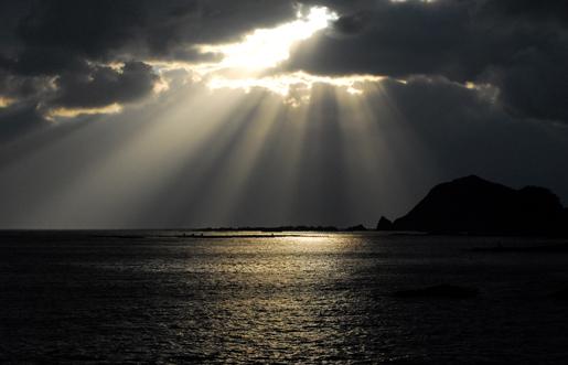 あけましておめでとうございます.....新しい光と小さな旅行_f0099102_19311277.jpg