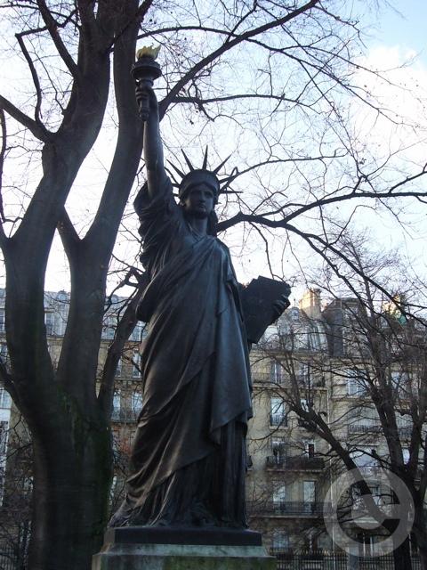 ■新年のリュクサンブルグ公園(パリ)_f0063227_9231013.jpg