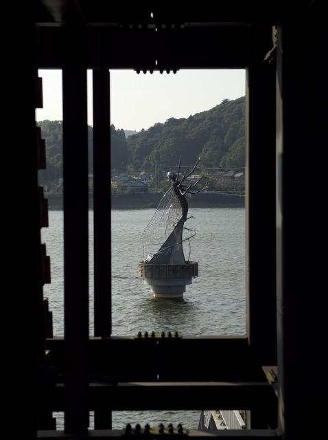 水と彫刻の丘_f0018464_1983169.jpg