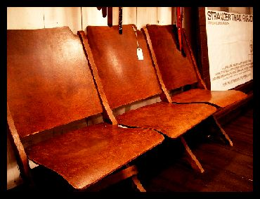 THEATER CHAIR  _f0144618_1965767.jpg