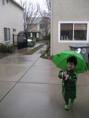 こっちは、あめ、あめ、雨だよ!_c0119197_9145115.jpg