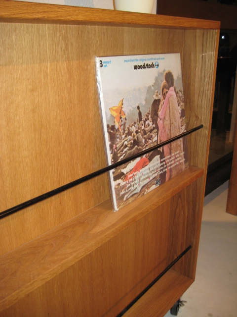 CD & MAGAZINE RACK_c0146581_18263546.jpg