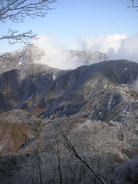 丹沢山稜 山歩記(やまあるき) 2日目 檜洞丸_f0110366_21534568.jpg