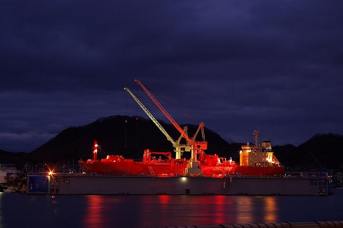 尾道 赤い大型船_c0152379_6344298.jpg