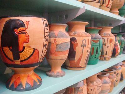 エジプトのルクソーで工芸品工場を訪ねて_d0100880_444784.jpg