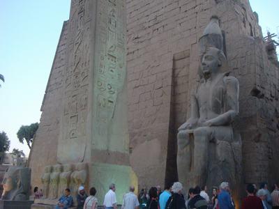 最後に訪ねたルクソール神殿(Luxor Temple)_d0100880_22353128.jpg