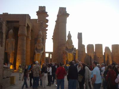 最後に訪ねたルクソール神殿(Luxor Temple)_d0100880_22391130.jpg