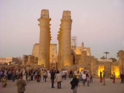 最後に訪ねたルクソール神殿(Luxor Temple)_d0100880_22411870.jpg