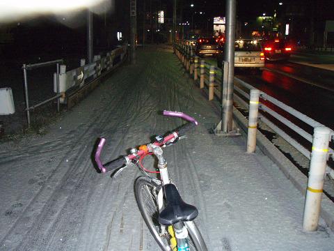 通年ツーキニスト目指して・・・雪道は辛いっす!_b0074601_23355540.jpg