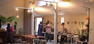 女流陶芸家3人展・本日初日です。_e0109554_22571524.jpg