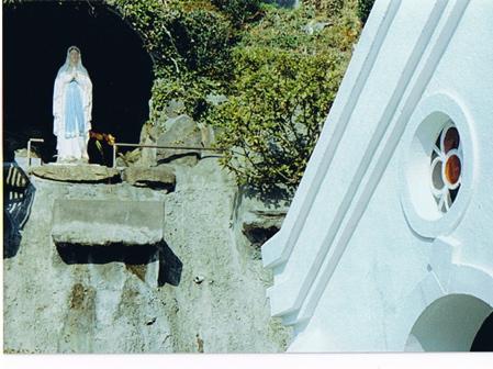 神の島の記憶。 〜マリア様のおひっこし〜_d0035397_1755813.jpg