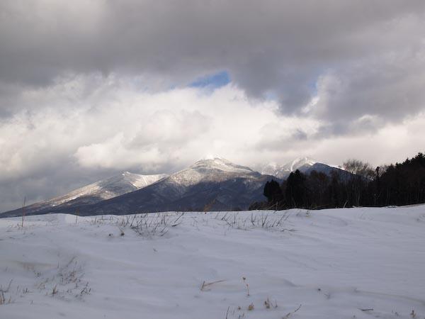 この冬初の雪景色_c0137403_1971637.jpg