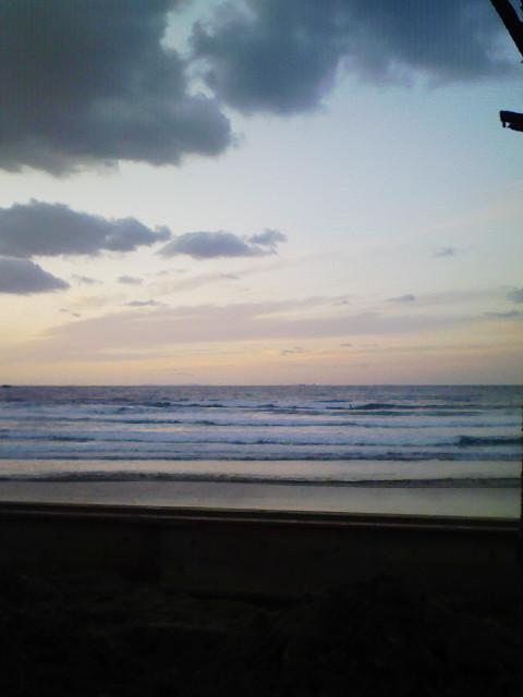 寒いけど波はあります。_d0076864_2491098.jpg