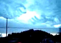 神の手の雲!なんかとってもいい気持ち♪ #246_e0068533_14134675.jpg