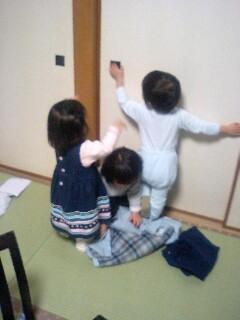 子供3人 初集合_f0124083_21581584.jpg