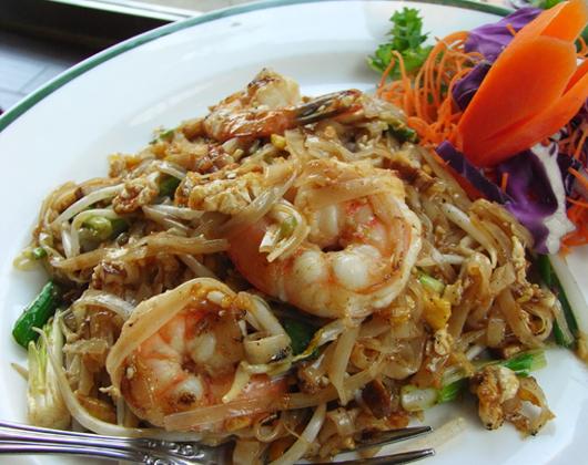 優しくおいしいタイ料理のお店 Chanpen_b0007805_23363142.jpg
