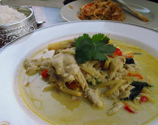 優しくおいしいタイ料理のお店 Chanpen_b0007805_23364777.jpg