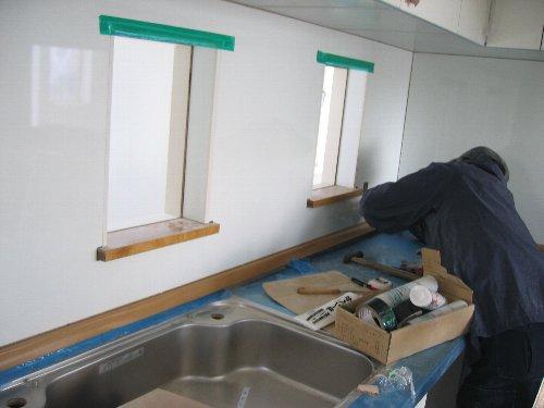 壁紙・ロフト梯子ハンガーパイプなどの備品取り付け・他_d0131336_20235046.jpg