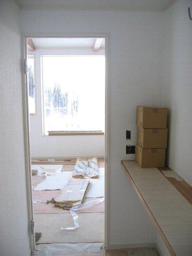 壁紙・ロフト梯子ハンガーパイプなどの備品取り付け・他_d0131336_2024345.jpg