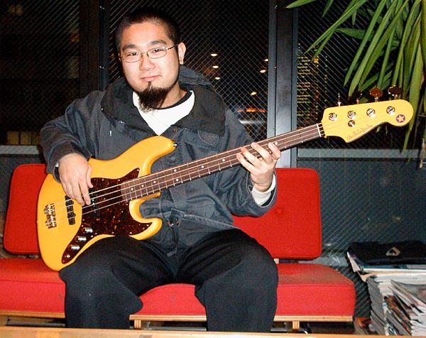 「ZAZEN BOYS・吉田さん」と「Modern J-Bass」。_e0053731_18232049.jpg