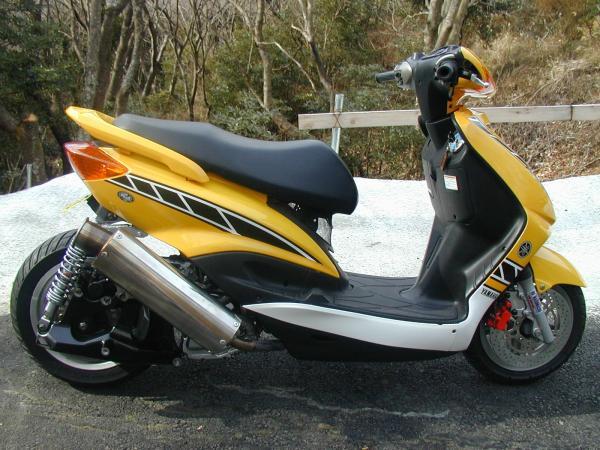 凄いバイクその2_c0105285_1244118.jpg