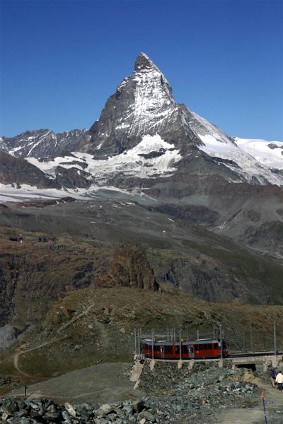 スイスの花と蝶2007(5) ゴルナーグラート展望台①_d0054625_22375848.jpg