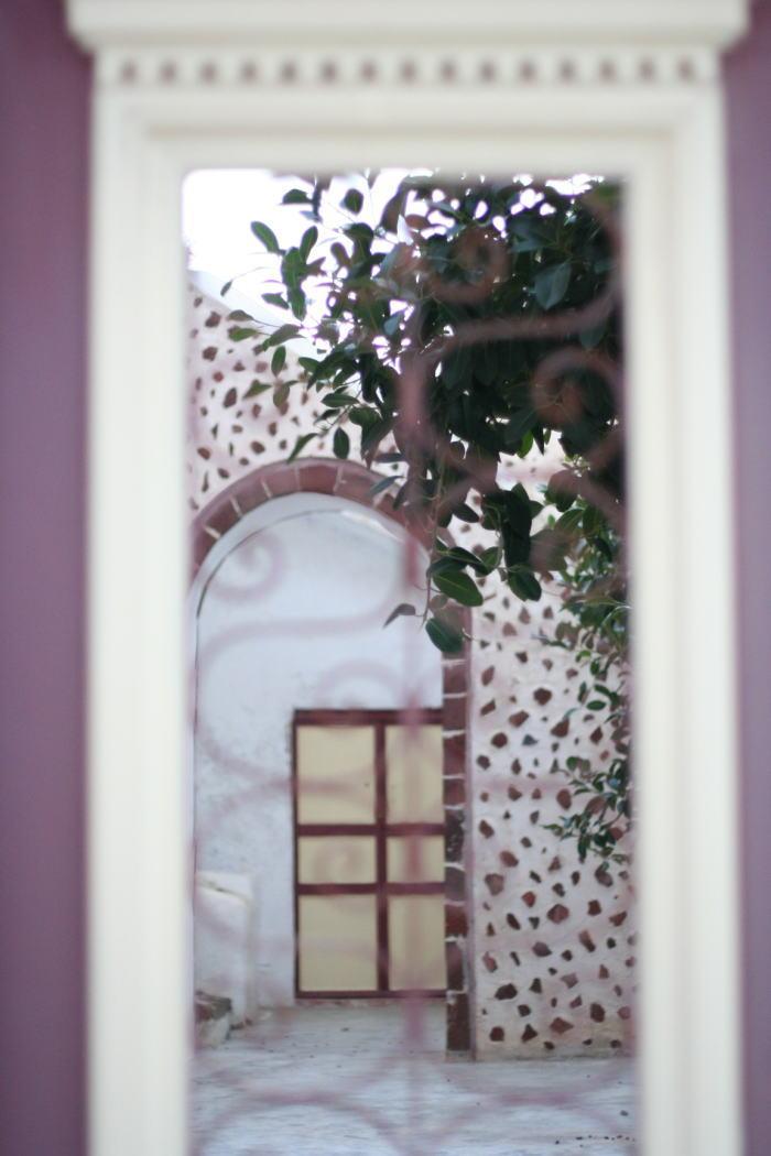 窓_a0042928_0415481.jpg