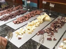 昨日の私 夜の部 チーズとチョコレートのビュッフェ_f0007061_054372.jpg