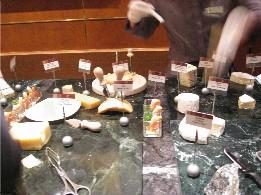 昨日の私 夜の部 チーズとチョコレートのビュッフェ_f0007061_055435.jpg