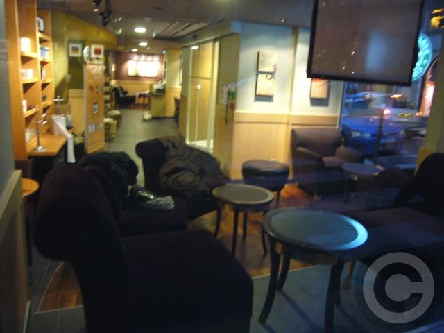 ■パリのスタバ(Starbucks)_a0014299_21144571.jpg