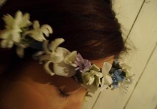 お花の冠_d0104091_1836631.jpg