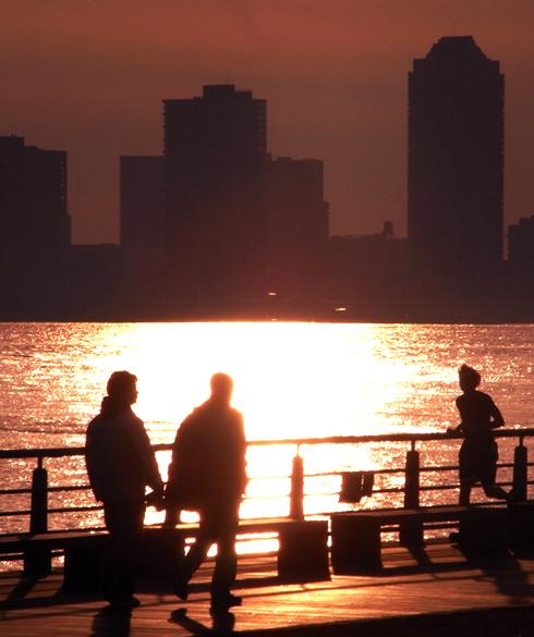 夕日を浴びにハドソン・リバー・パークへ_b0007805_23182635.jpg