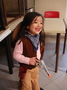 公民館でカーニバルのパーティ_f0106597_572180.jpg