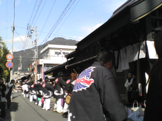 道中手踊り真っ最中_c0010936_1323241.jpg