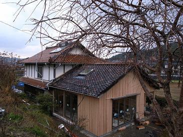 新と旧の家_d0087595_9335220.jpg