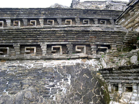 メキシコ4 エルタヒン遺跡_e0048413_2152297.jpg