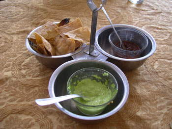 メキシコ5 ハラパでの昼食_e0048413_2244485.jpg