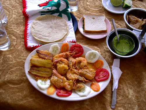 メキシコ5 ハラパでの昼食_e0048413_2245779.jpg