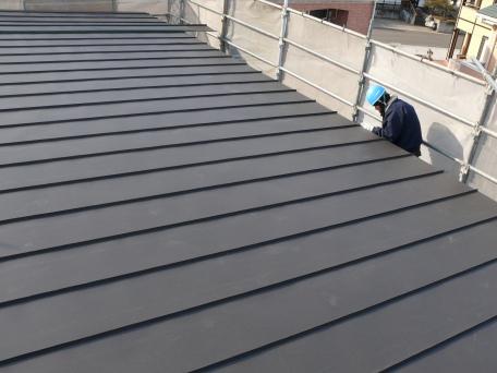 しいね産業(株) 福島県の屋根の事ならしいね瓦 瓦のことなら  市内富田町のトタン屋根の現場