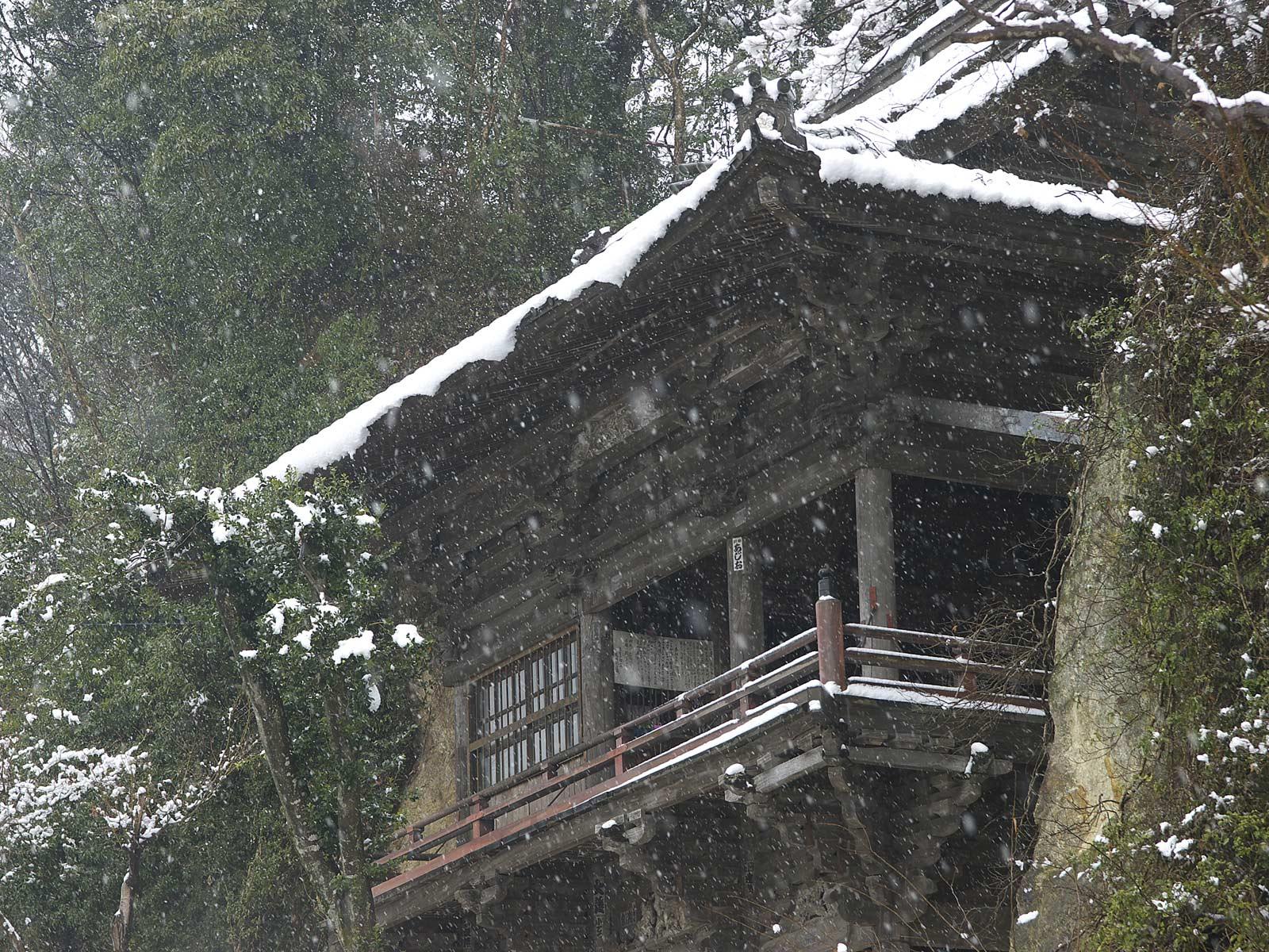 雪の観音堂_f0121181_23592030.jpg