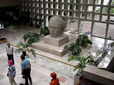 ハラパ人類学博物館 メキシコ6_e0048413_18412054.jpg