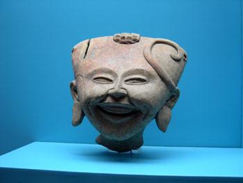ハラパ人類学博物館 メキシコ6_e0048413_18423416.jpg