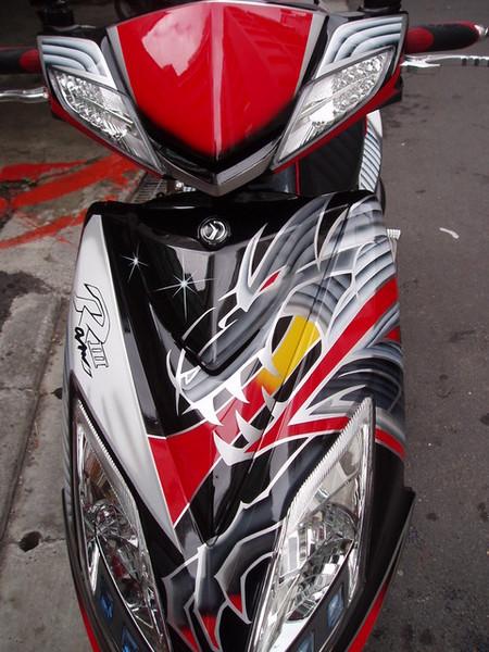 台湾の塗装技術はなかなか!_c0105285_21555888.jpg