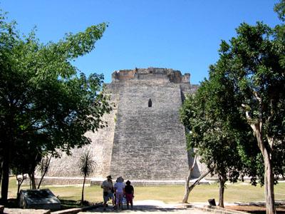ウシュマル遺跡 メキシコ12_e0048413_16525632.jpg
