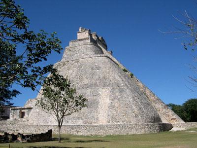ウシュマル遺跡 メキシコ12_e0048413_16532826.jpg