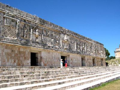 ウシュマル遺跡 メキシコ12_e0048413_1653427.jpg