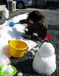 雪遊び_f0129726_20585684.jpg