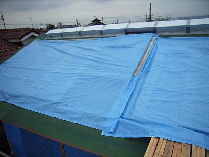 Tさんの家 OM集熱ガラス取付け・・・雨天中断 2006/12/8_a0039934_1455033.jpg
